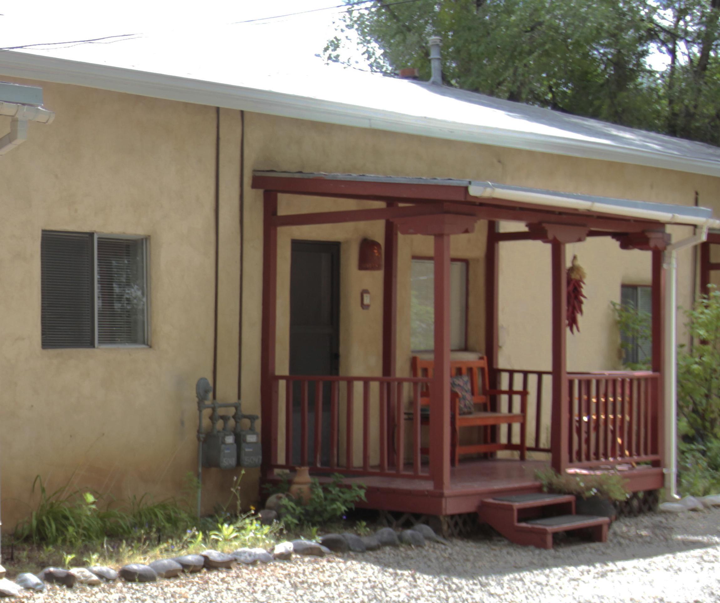 Taos casitas taos lodging for Cabins in taos nm